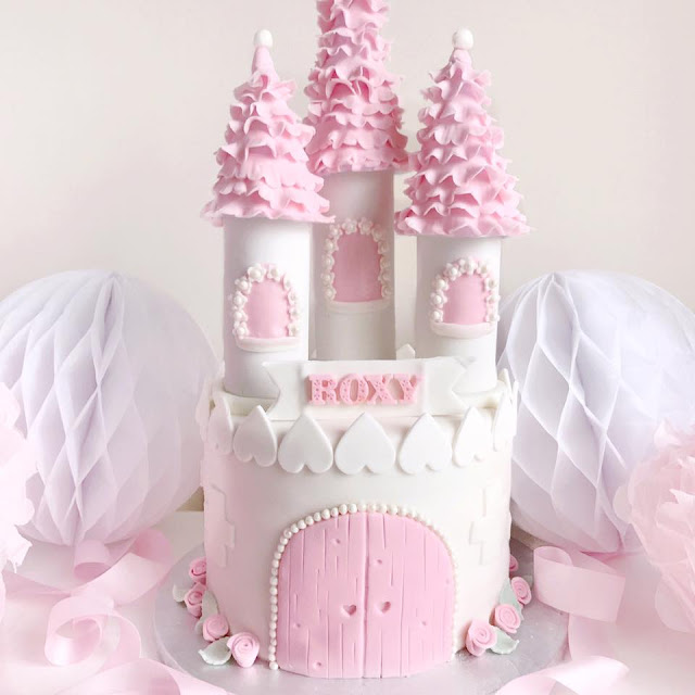 Love, Catherine | Pretty Princess Castle Cake