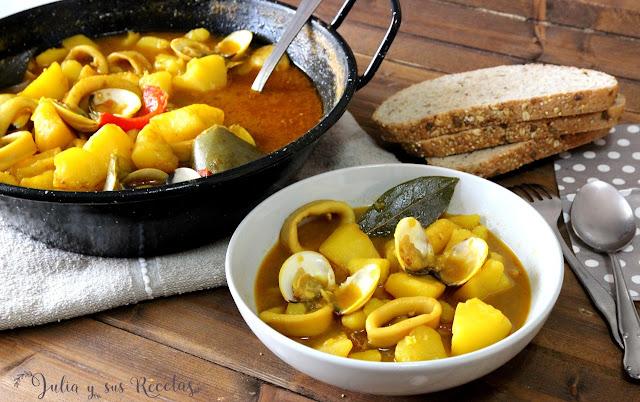 Patatas guisadas con calamares. Julia y sus recetas