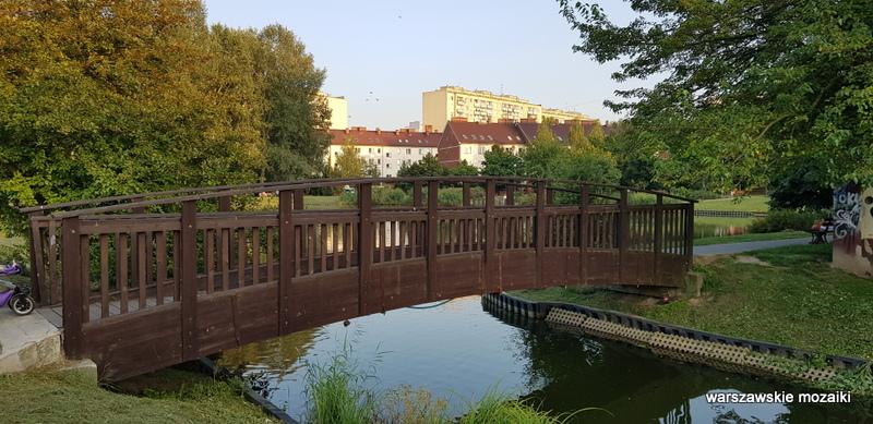 Warszawa Warsaw Bielany zbiornik wodny Wawrzyszew teren zielony mostek kanał