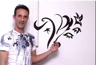 como fazer desenhar molde no papel contact e colar na parede