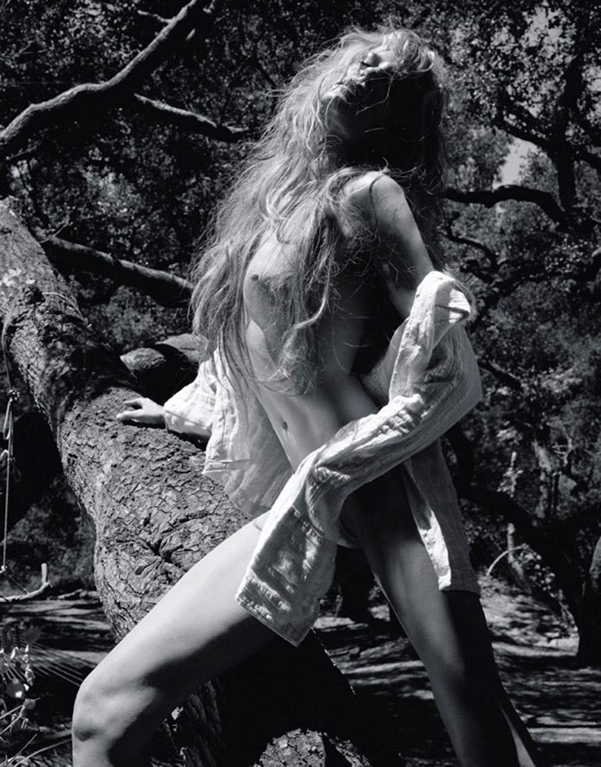 Naked Darryl Hannah 26