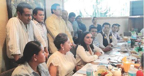 Que el pueblo decida si vota por Aguirre, puede competir; dicen aspirantes del PRD al Senado