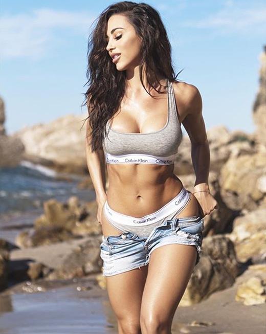 Fitness Model Ana Cheri