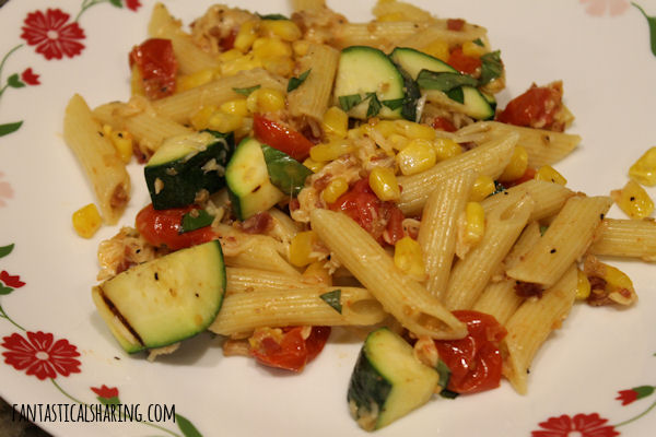 Summer Grilled Veggie Pasta Primavera #chicken #pasta #maindish #zucchini #corn
