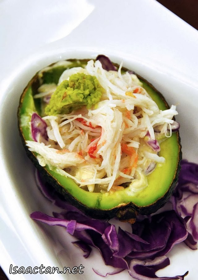 The accompanying Hokkaido Crab Leg Avocado Salad