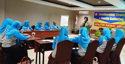 Training Karyawan LEADERSHIP & TEAMWORK Naikan Produktivitas Kinerja SDM (by: Wenny Consulting)