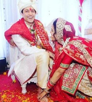 candid-moment-at-Shikha-singh-karan-shah-wedding