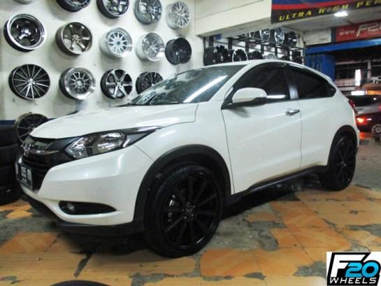 Modifikasi Honda HRV Putih Velg 20