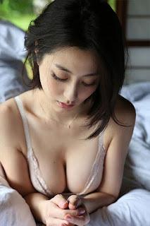 Foto-Model-Sexy-Yumi-Sugimoto-7