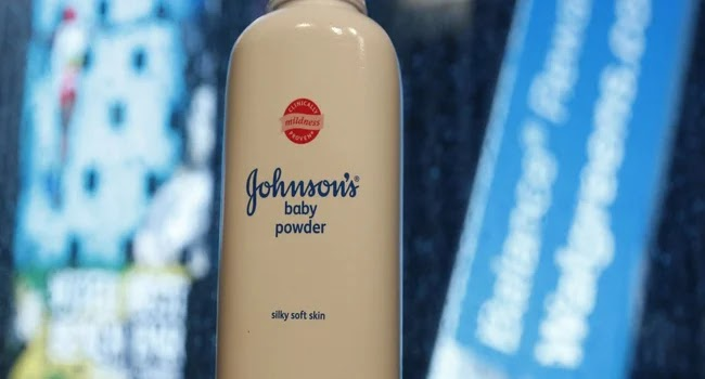 Johnson & Johnson : Θα καταβάλλει αποζημίωση 4,7 δις δολλαρίων σε 22 γυναίκες για ταλκ που προκάλεσε καρκίνο