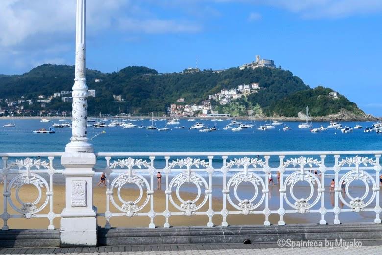 サン·セバスティアンのビーチぞいの美しい飾りフェンス《La Concha, Donostia-San Sebastián》