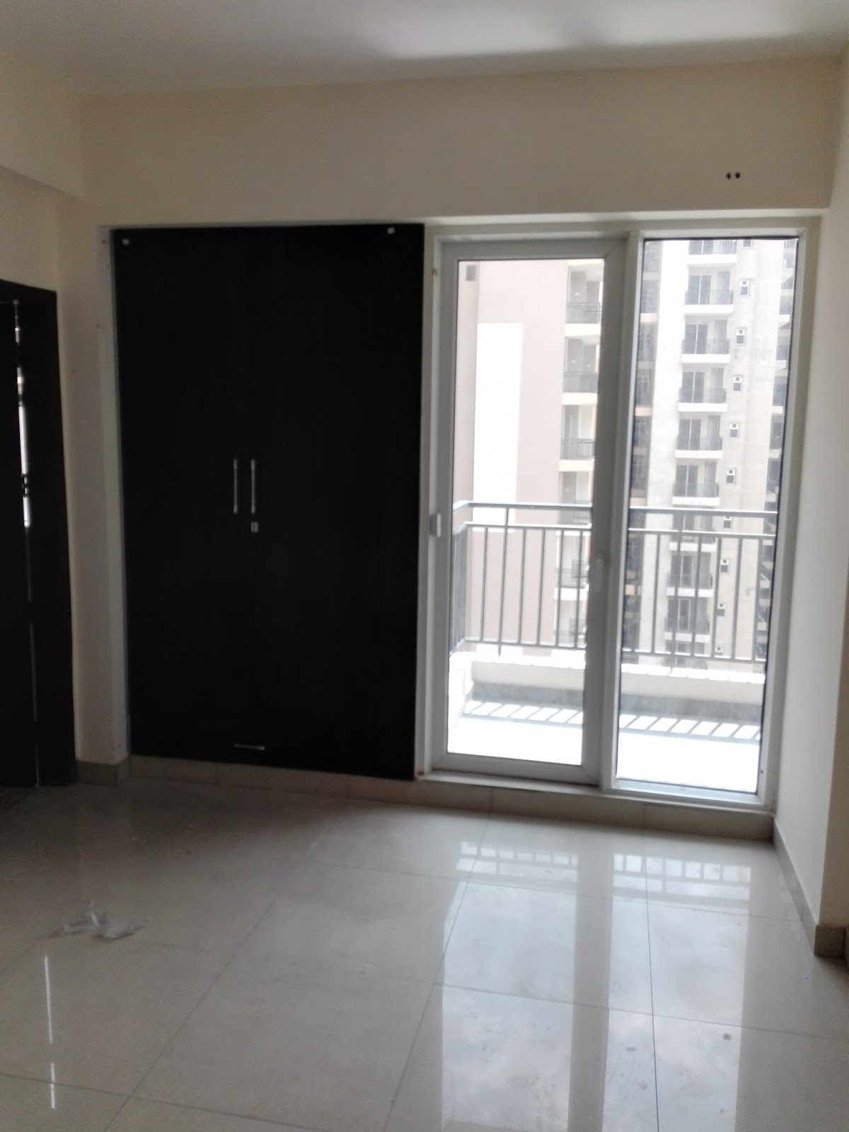 Property Dealers In Indirapuram 1685 Sq Ft Flat For