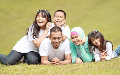 http://www.pusatmedik.org/2016/09/tips-cara-mudah-dan-sukses-agar-anak-mencintai-lingkungan-keluarganya.html