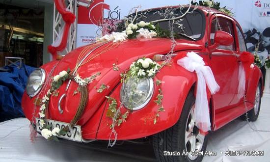 Một số mẫu trang trí xe cưới cực ấn tượng