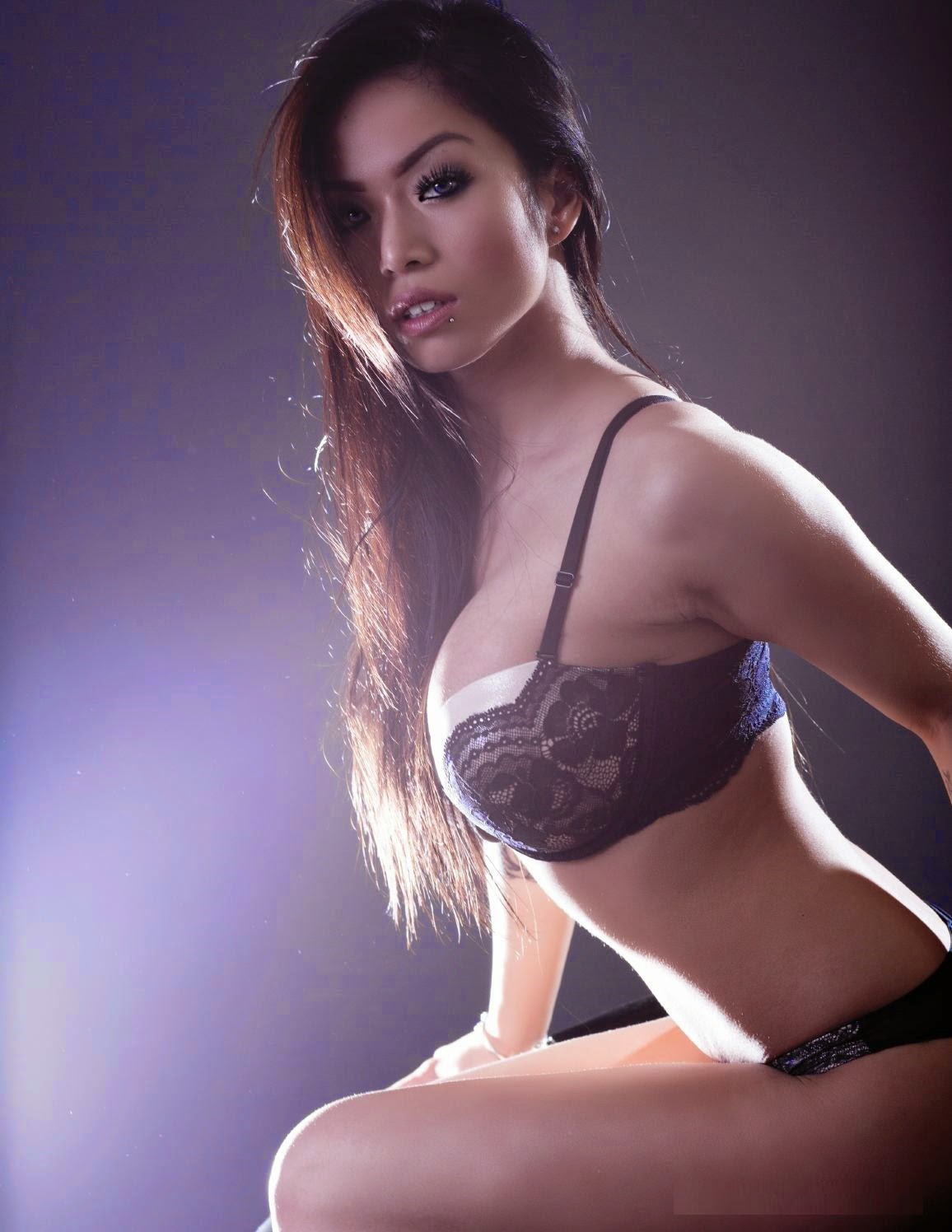 donna pham hot nude photos 02