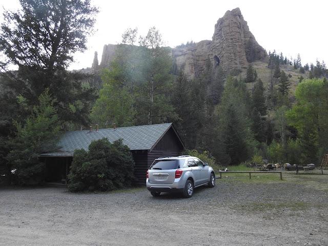 הבקתות באבסרוקה עם הנוף