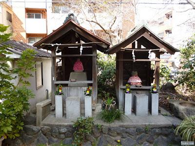 産湯稲荷神社二つの祠