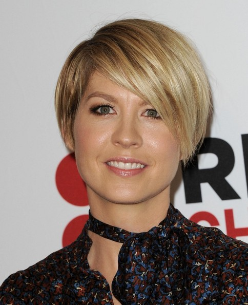 hair today celebrity short style