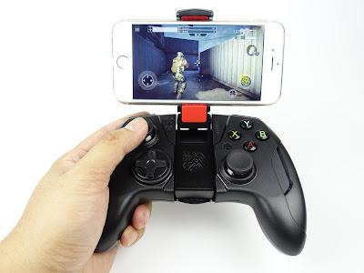 [開箱] CONTOUR iOS專用藍芽無線手遊電競手把 射擊遊戲還是要用搖桿比較好玩 DSC00444