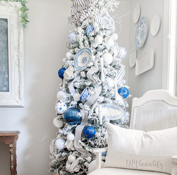 French farmhouse Christmas tree