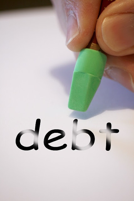 pixabay.com/en/debt-finance-money-credit-loan-1157824