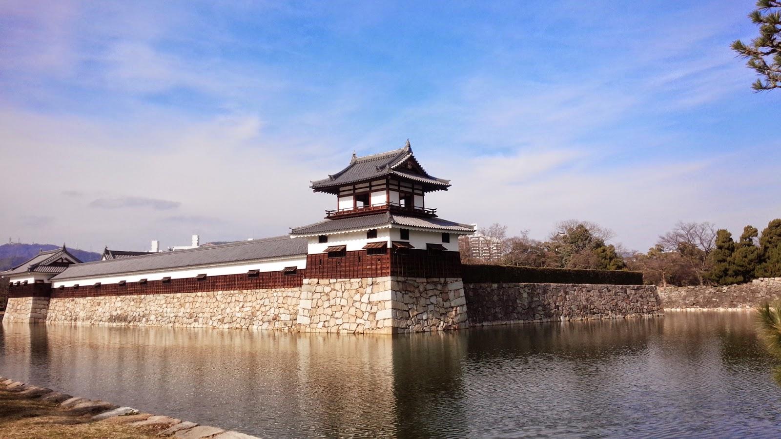 広島城の堀と櫓