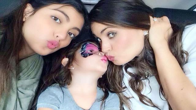 Chiquinquirá Delgado y sus hijas