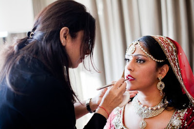 Secrets-to-choose-a-perfect-bridal-makeup-artist-for-wedding-3