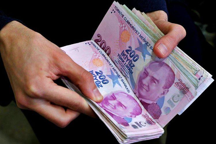 Hedefim ayda 200 Türk Lirası arttırmaktı, bu nedenle birçok şeyden tasarruf ettim.