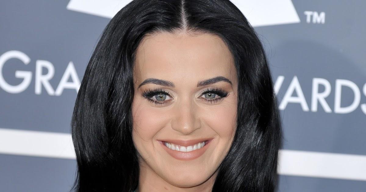 Big Boob Celebrities Katy Perry Shows Off Her Big Boobs -6537
