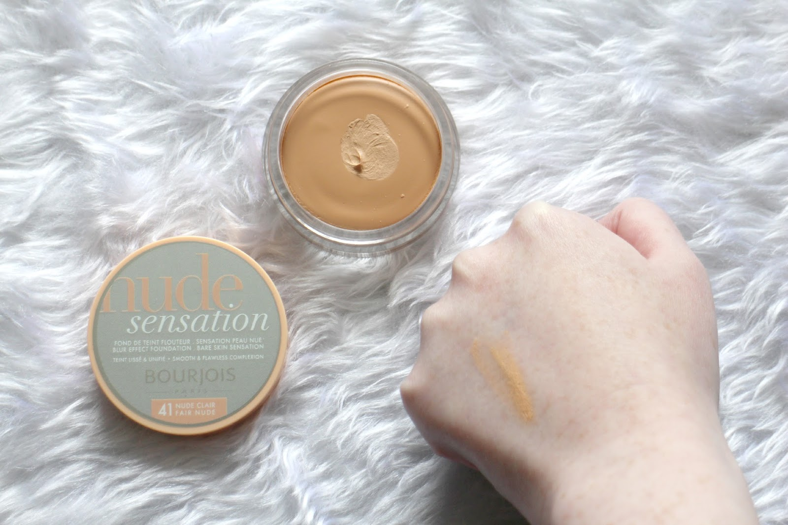 Bourjois Nude Sensation Swatch