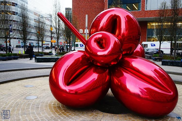 Le Chameau Bleu - Ballon Flower New York Manhattan Sculpture de Jeff KOONS Art