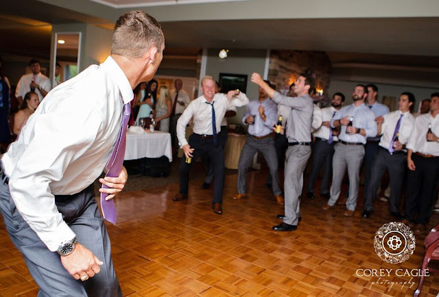 garter toss | Corey Cagle Photography