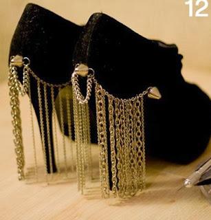 Topuklu Ayakkabıları Zincirlerle Süsleme