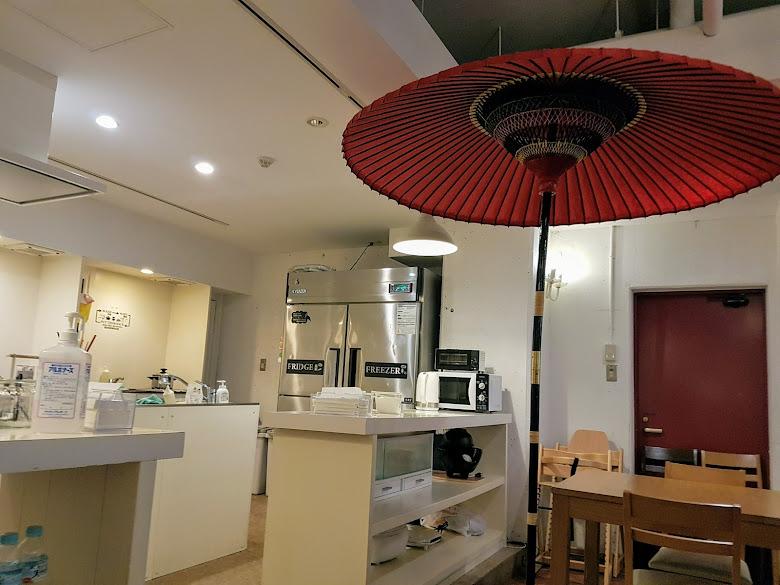 旅社的廚房區,有簡易的烹煮設備