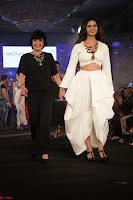 Meenakshi Dixit Walks the Ramp At Designer Nidhi Munim Summer Collection Fashion Week (10).JPG