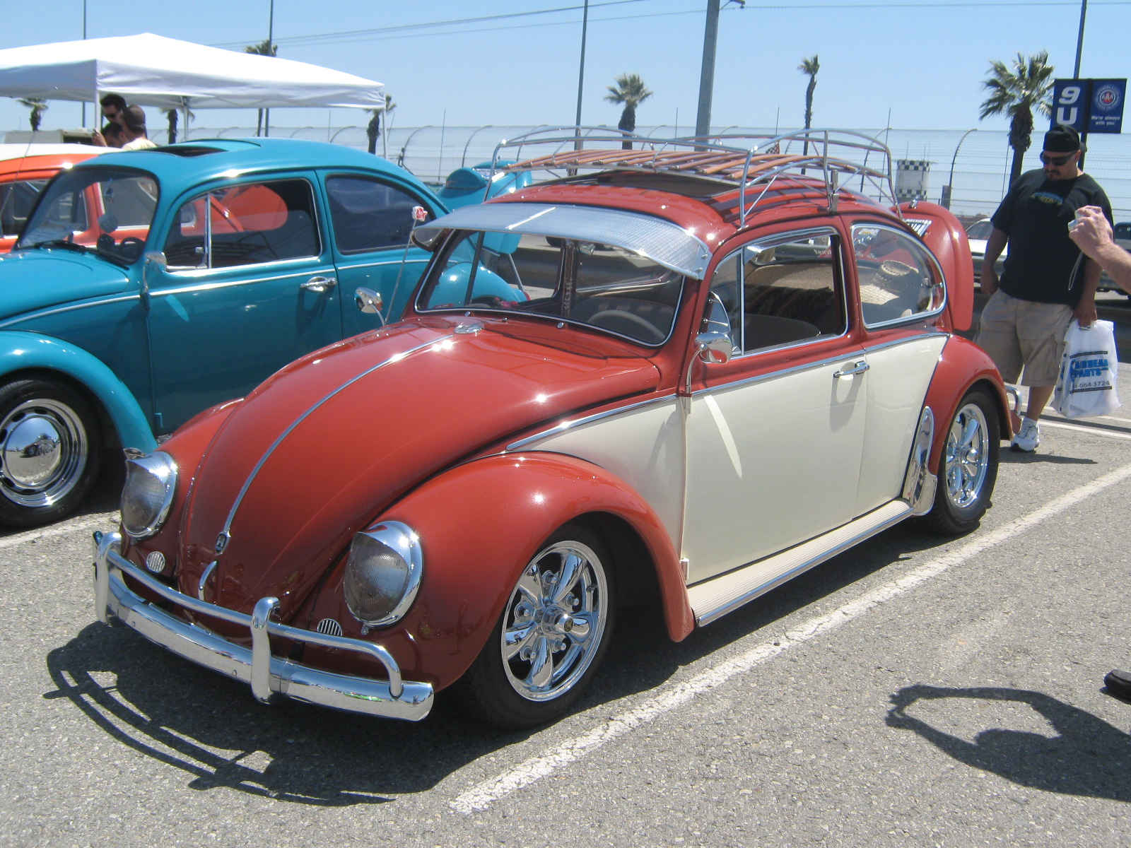 500 VW Bugs Take over Auto Club Dragway