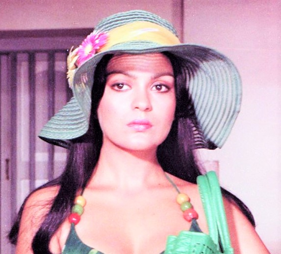 Indian Famous Bollywood Actress, Jinnat Aman,