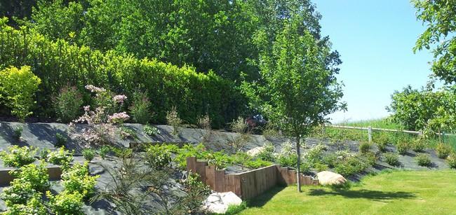 paysagiste val d 39 oise cr ation jardin 95 technique amenagement d 39 un jardin avec talus. Black Bedroom Furniture Sets. Home Design Ideas