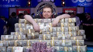 Tujuh Pemenang Poker Live Terbesar Sepanjang Sejarah