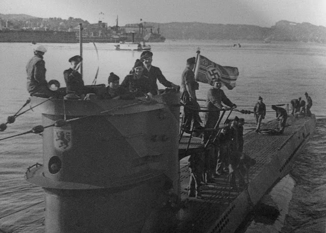 U-576 26 June 1941 worldwartwo.filminspector.com