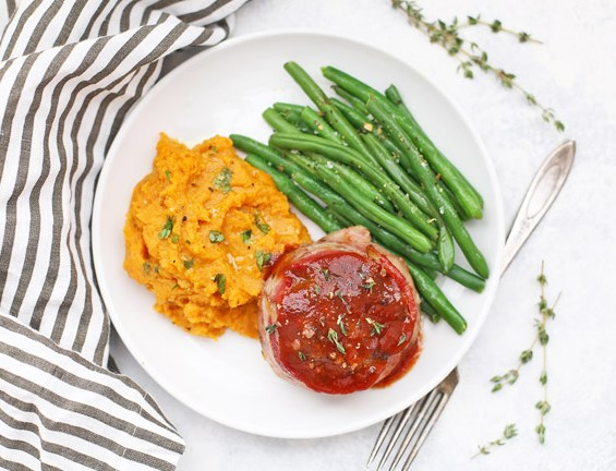 PALEO MEATLOAF MINIS WITH BACON AND BARBECUE SAUCE