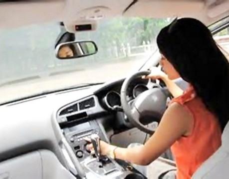 cara mengemudi mobil matic untuk pemula