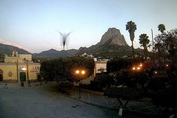 Mysterious Figure Appears In Mexico