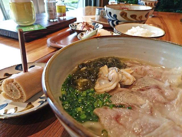 みやんちの沖縄そば膳と嘉利すば膳の写真