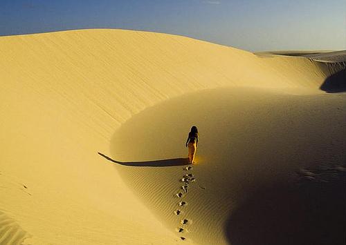 Resultado de imagem para UMA MULHER DO DESERTO