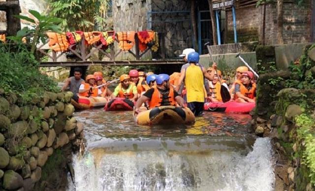 Rafting di Ciater Lembang Bandung