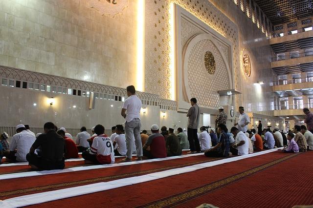 Makna Isi Kandungan Dan Bacaan Q.S. Surat Al-Kafirun Beserta Artinya