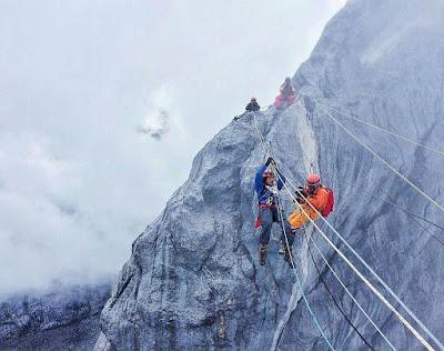 foto jalur puncak jaya wijaya papua