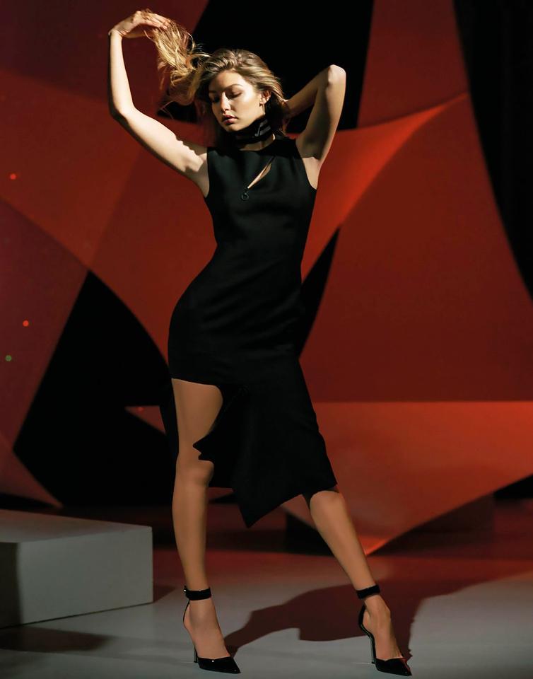 Model Diana Sirokai recreates Gigi Hadids Stuart Weitzman